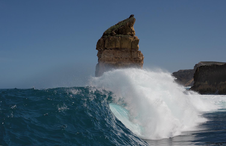 BIG OIL DON'T SURF
