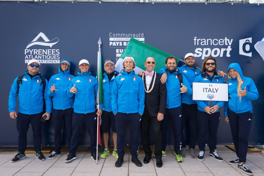 ita_team_opening_ceremony_seanevans