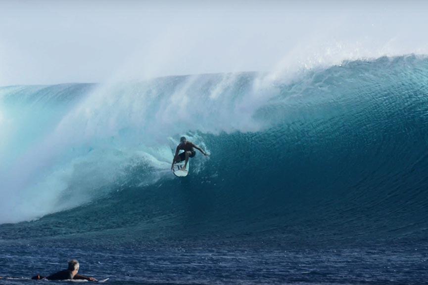 Leonardo Fioravanti e Kelly Slater alle Fiji