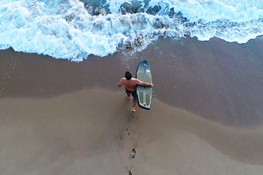 Surf Air è la tavola da surf gonfiabile