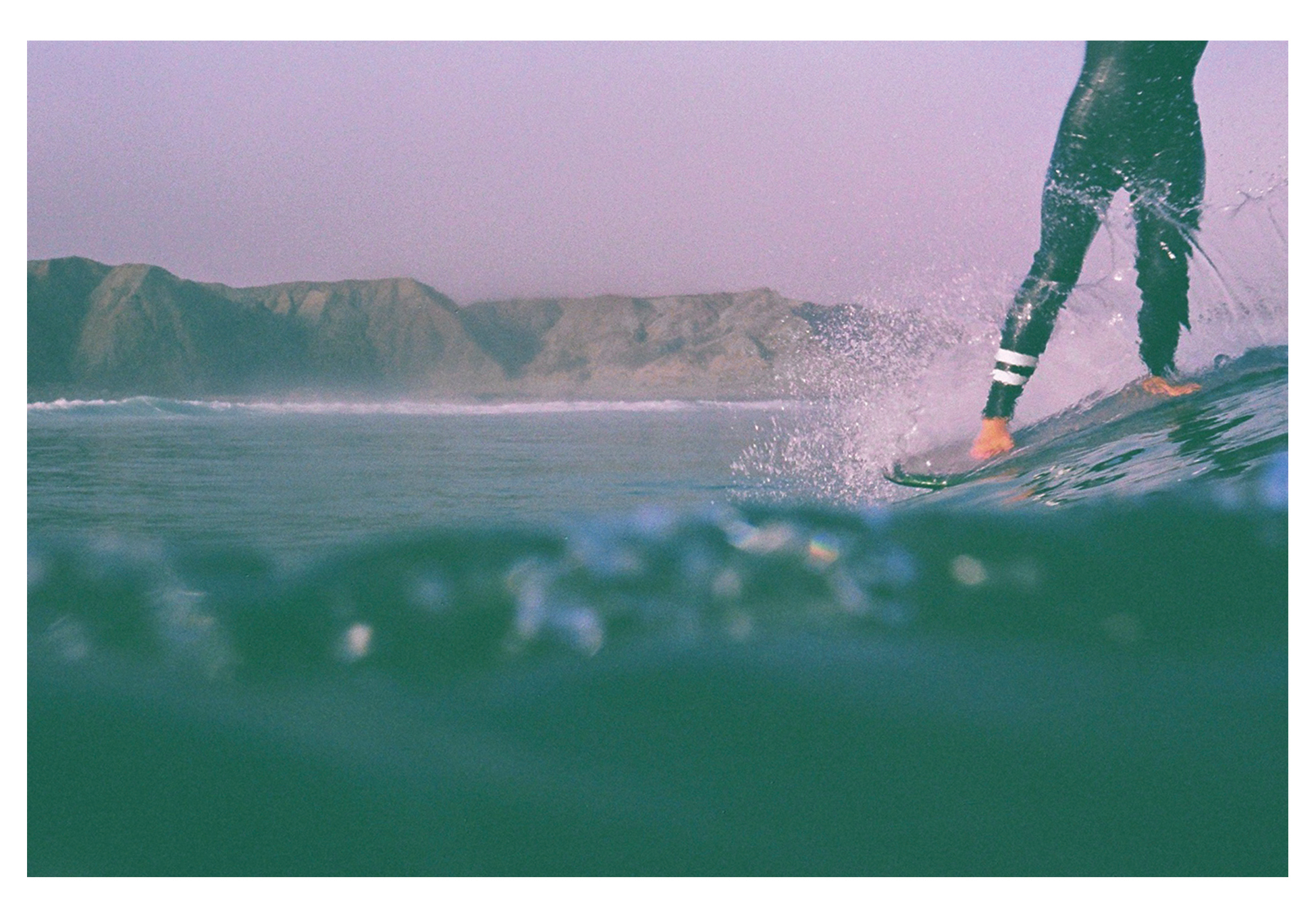 Colors of emotional surf