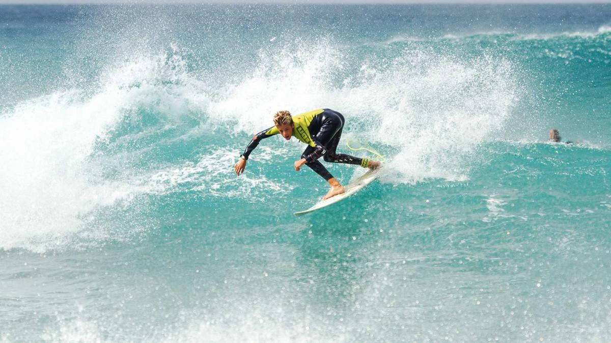 Addicted to waves Matteo Calatri