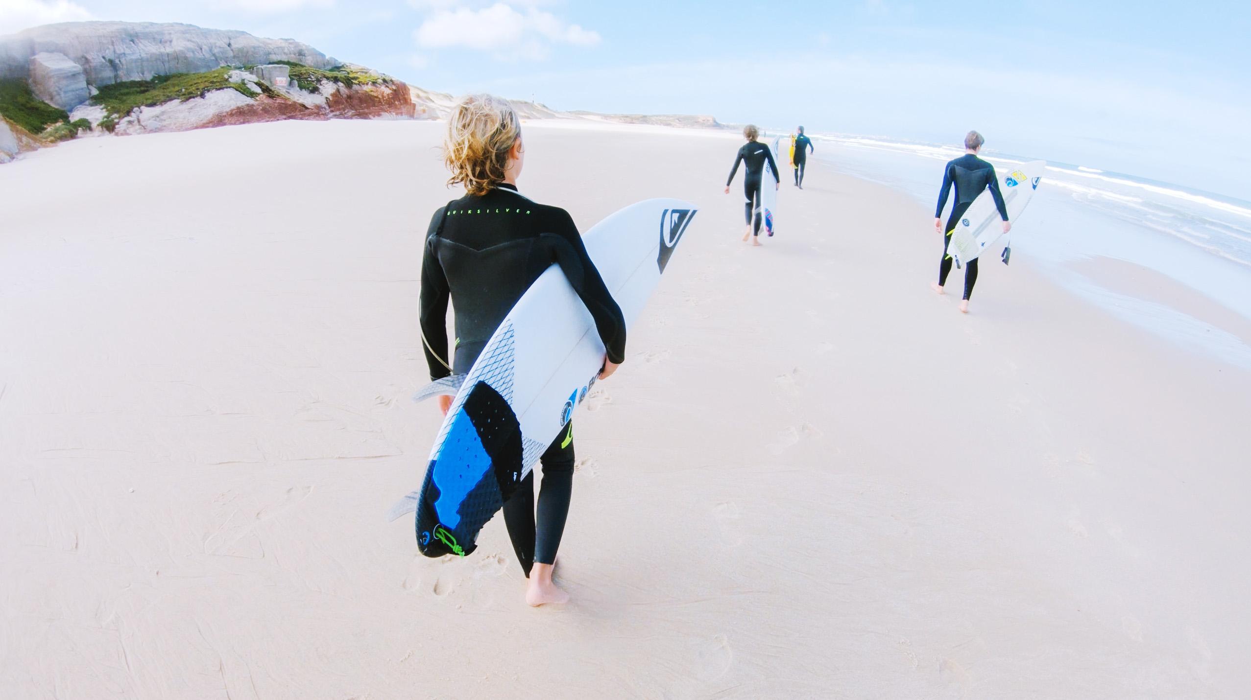 quiksilver-team-italia-portugal-trip-team-beach
