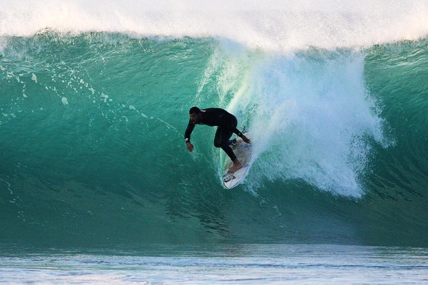 GIRLS SURF CAMP