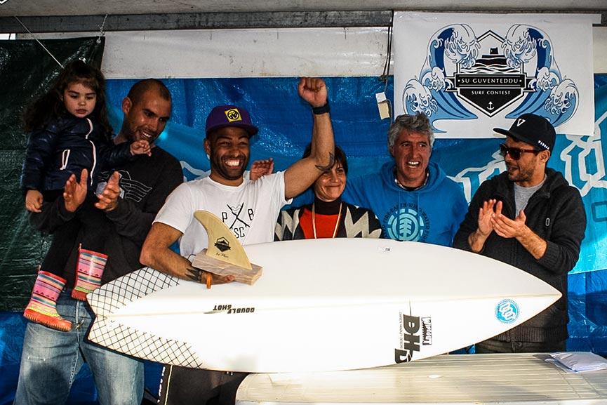 DAVIDE DETTORI VINCE IL SU GUVENTEDDU SURF CONTEST