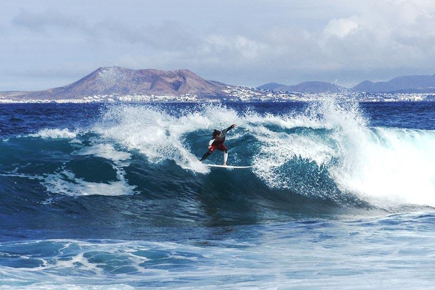 Surf Camp a Fuerteventura con Surftolive